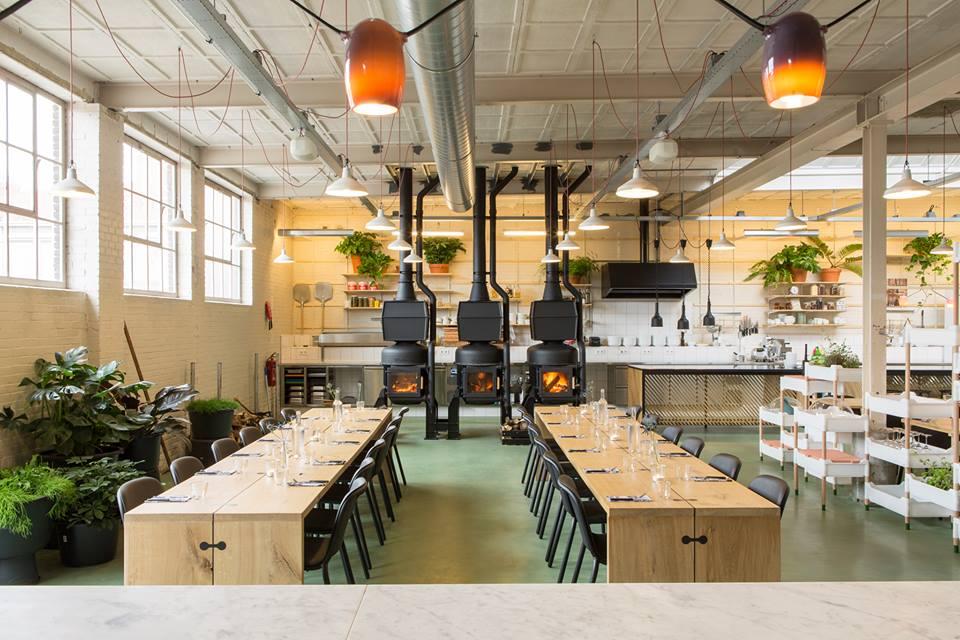 café-restaurant hoog vuur - de nieuwe stad